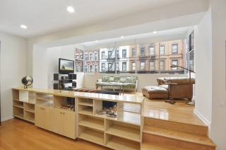 Midtown East 2BR/2Bath W/Sunroom lounge!